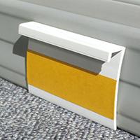 Плинтус для ковролина ПК50 белого цвета