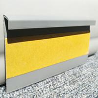 Плинтус для ковролина ПК50 светло серого цвета